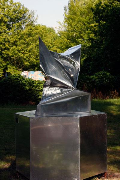 http://www.jimmydahlberg.se/files/gimgs/1_1-europeansculpturepark-jimmydahlberg.jpg