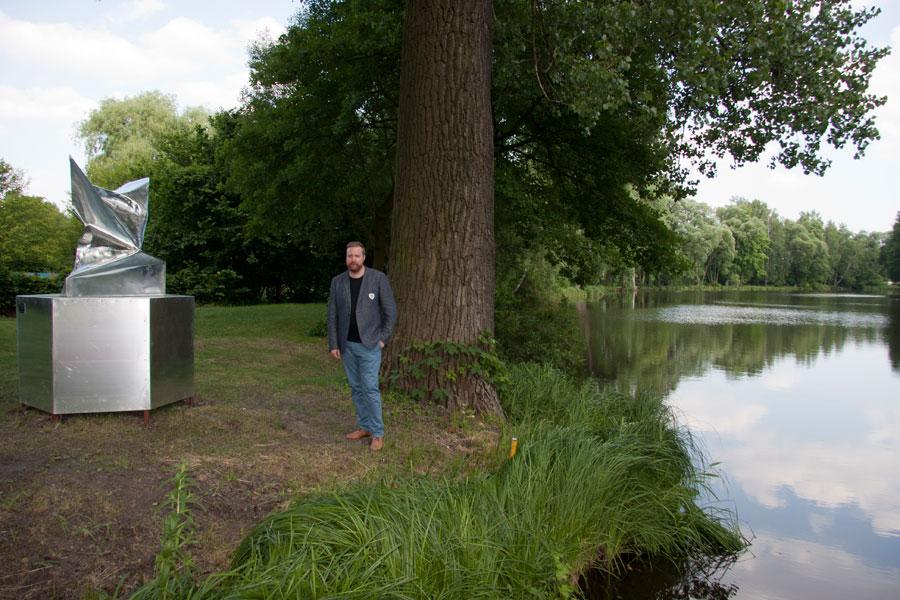 http://www.jimmydahlberg.se/files/gimgs/1_europeansculpturepark-jimmydahlberg.jpg